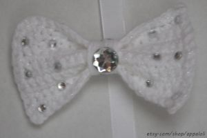 Appaloli:  White Shimmer Sparkle Crochet Bow by Appaloli