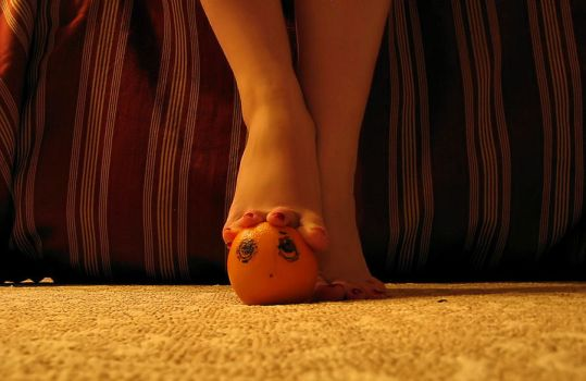 I'll Get You Annoying Orange 7 by Pies-Toes-N-Soles