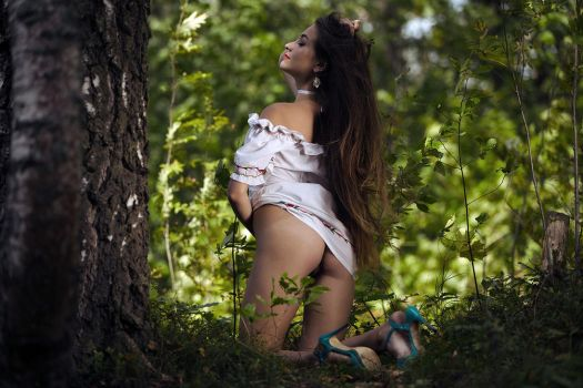 Forest lady by eroticspring
