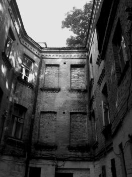 Well Courtyard by DarthTepes