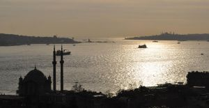 Istanbul : Bosphorus by magneticblue