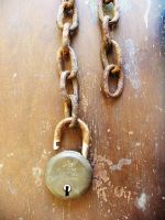 Lock and Chain by karmasach