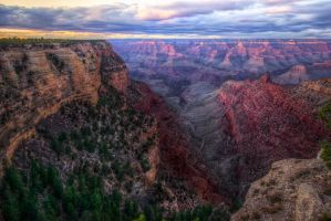 Grand Canyon, dichotomized by alierturk