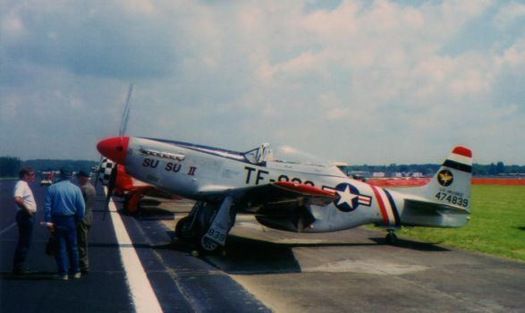 2001 AEDC Air Show - P-51 Mustang by squirrelismyfriend