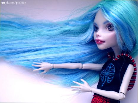 Ghoulia Yelps OOAK monster high by PixieLify 2\2 by PixieLify
