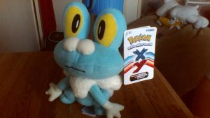 Pokemon X AND Y Takara Tomy Froakie Plush by PokeLoveroftheWorld