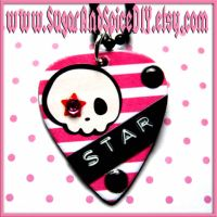 Star Skull Pick Necklace by wickedland