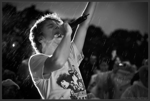 Jamie Cullum-part of the crowd by Staged