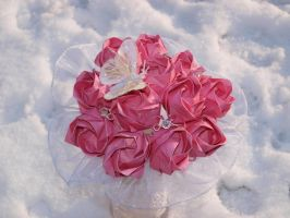 A Dozen Origami Pink Roses by icantwrite
