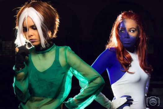 Rogue and Mystique cosplay by FLovett