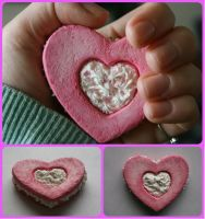 Video Tutorial- How To Make A Decoden Cookie! by RuusuMorningstar