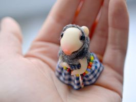 Gypsy white mouse by SulizStudio