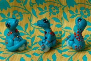 little cyan lizard FOR SALE by xXNeo