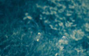 BlueBubbleWallpaper by miroslav-petrinec