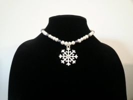 Snowflake Fresh Water Pearl Necklace by MysticalMayhemJewel