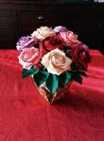 Bunch of roses and vase by Haardod