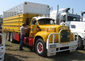 Mack B-model on display 13 by RedtailFox