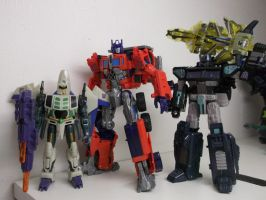 Size comparison of Custom Movie-verse Optimus by forever-at-peace