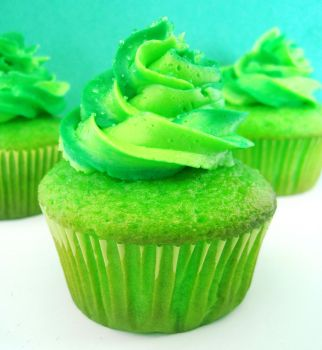Mountain Dew Cupcakes by xUntilTheEnd