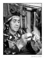 Mujer mapuche / Mapuche woman by Deneb