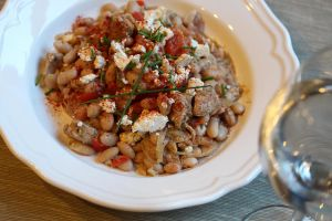 White beans, chicken and feta by Atozy