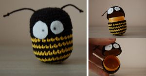 Bee amigurumi egg container by Redostrike