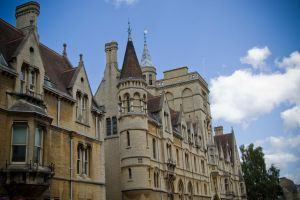 Oxford University building by LunaticDesire