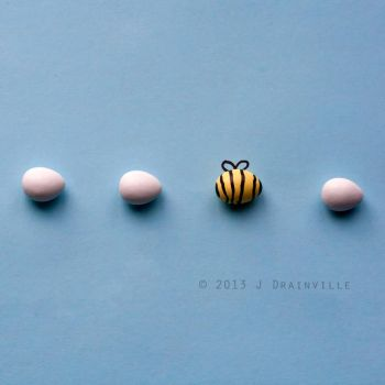Bee Yourself by jdrainville