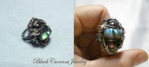 Labradorite Ring by blackcurrantjewelry