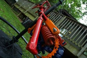 Bike pumps and suspension springs. by ArloWalker