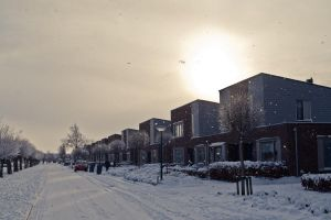 Snowing in our street by Dynnnad