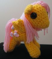 My Little Pony - Fluttershy with Cutie Mark by kaerfel