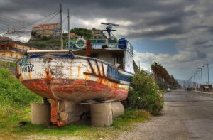 Parking boat-HDR by yoctox