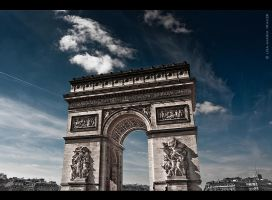 Arc de Triomphe by Lisa-M-T