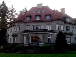 Pittock Mansion - The House a Newspaper Built by Rhov