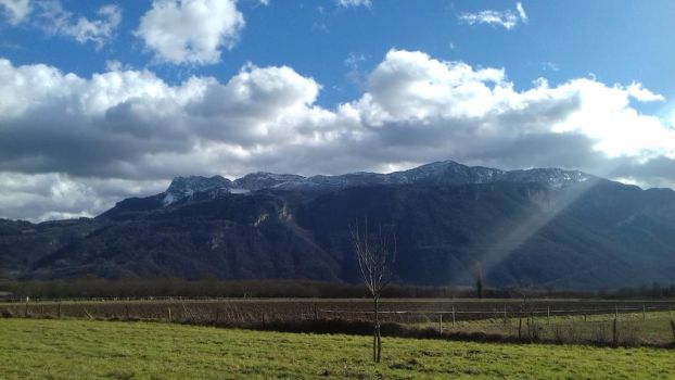 Clouds and Mountains by ColrinP
