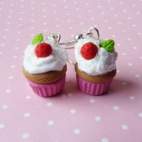 tiny pink cupcakes by lemon-lovely