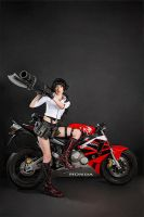 Devil May Cry 3 - Lady cosplay by Narga-Lifestream