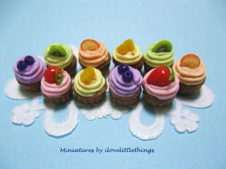 Miniature Fruity Cupcakes by ilovelittlethings