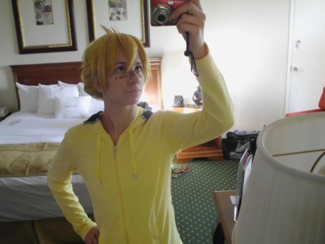 Len Cosplay-AnimeNEXT 2012/ New DA ID by PaperPiano