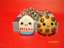 Bff Cookie and Milk bracelets by OnegaiSweet