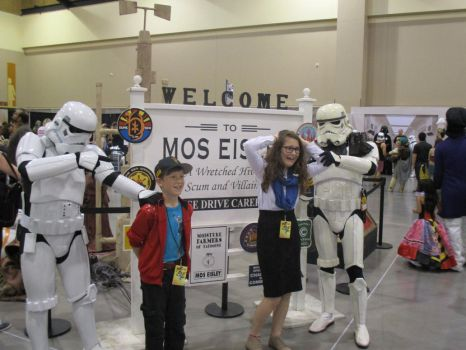 Storm Troopers Take Hostages CC AZ 2017 by R603