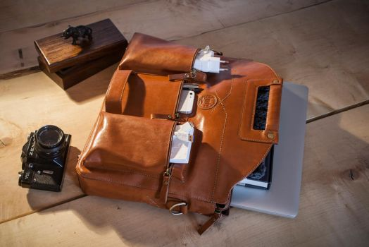 Chivote leather bag by chivote