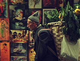 quince selling man by aydinkk