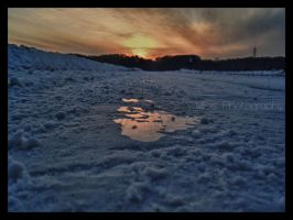 Sunset and ice by F3AR94