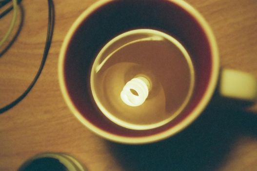 Coffee cup lightbulb by Jthax