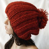 Rust colored knit slouchy hat by hellohappycrafts
