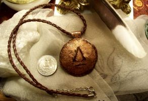 assassin's creed necklace 2 by Destinyfall