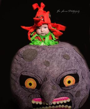 Baby Skull Kid Cosplay Riding The Moon by Linksliltri4ce